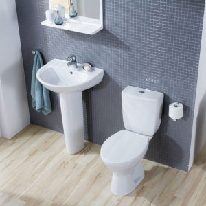 Senator bathroom Suite at Burke Homevalue Kanturk